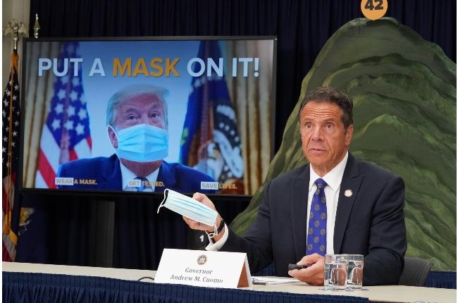 """Nueva York sigue reportando los índices más bajos de COVID-19; Gobernador pide a los neoyorquinos no ser """"arrogantes"""" y continuar con los protocolos de seguridad"""