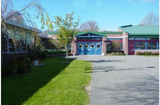 Nuevo caso de COVID-19 en Escuela Primaria John Marshall