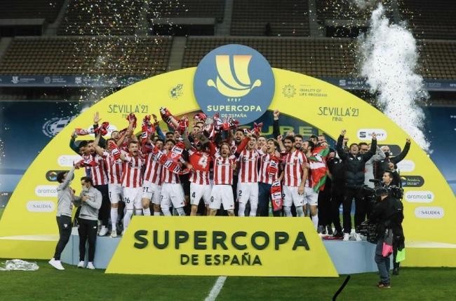 Un incansable Athletic derrota al FC Barcelona y es Supercampeón de España