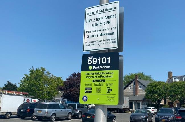 Desde esta semana parquearse en algunas zonas de la villa de East Hampton tiene un costo