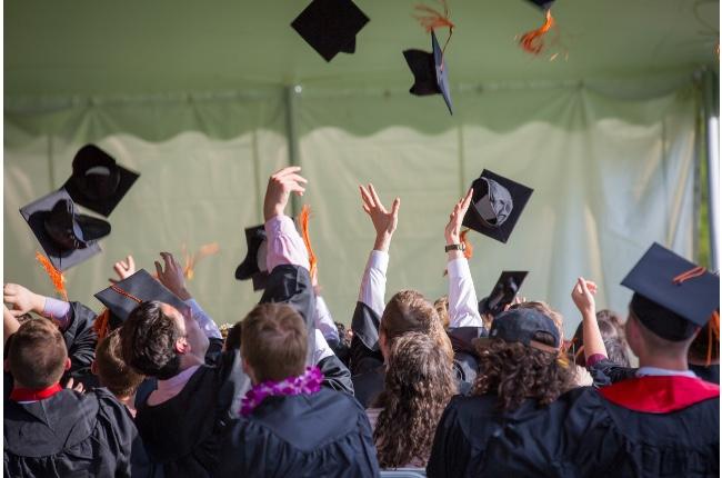 Organización defensora de los estudiantes inmigrantes de Long Island abre convocatoria para 6 becas estudiantiles