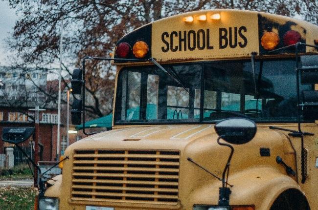 Acusación formal contra una conductora de autobus que manejaba en estado de ebriedad mientras llevaba a casa menores de un campamento scout