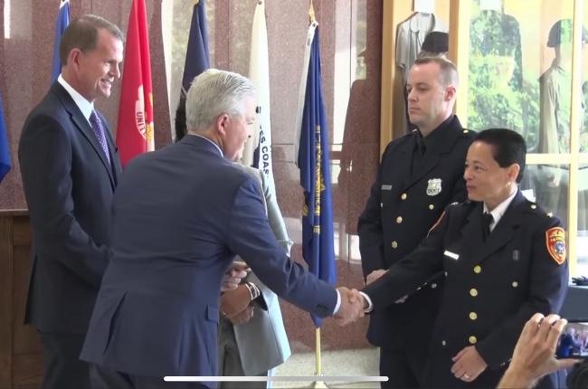 Inspectora Milagros Soto se convierte en la primera hispana en ascender al grado de jefe en la historia del departamento de policía del condado de Suffolk